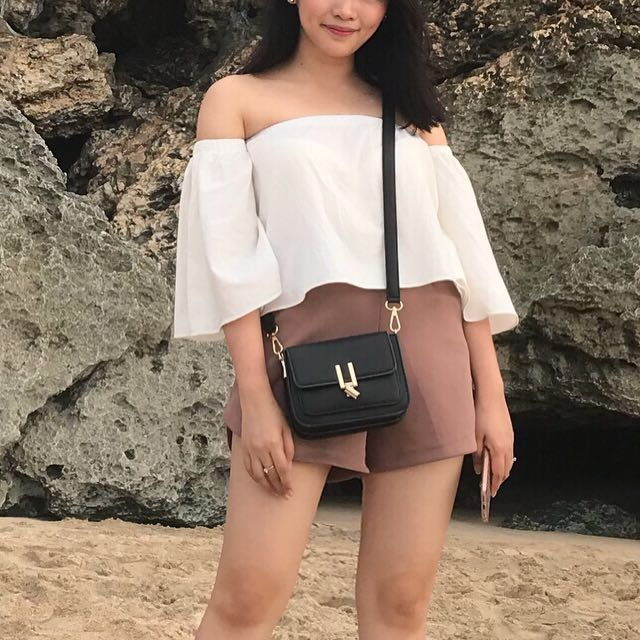 SALE❣️EnJi Sling Bag by Zalora