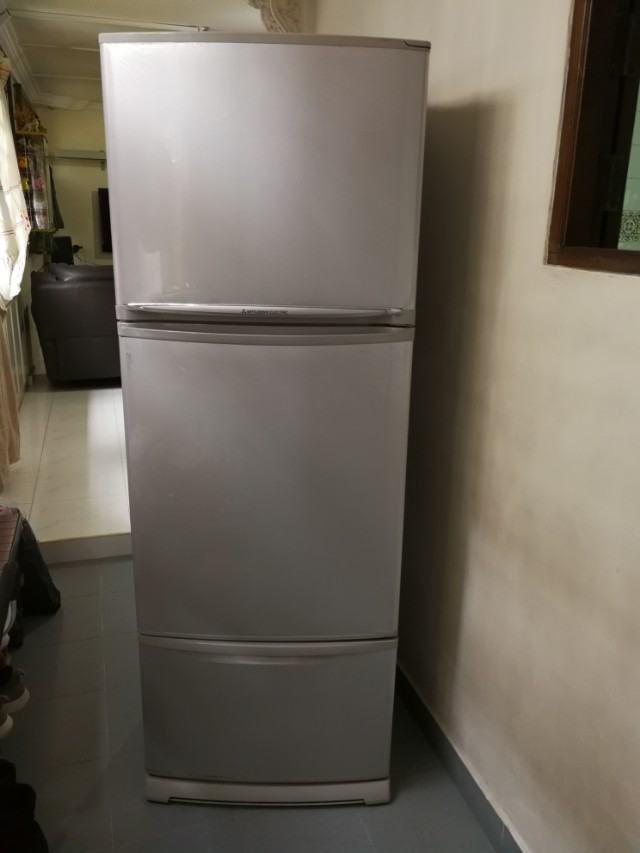 Selling used mitsubishi 3doors Fridge