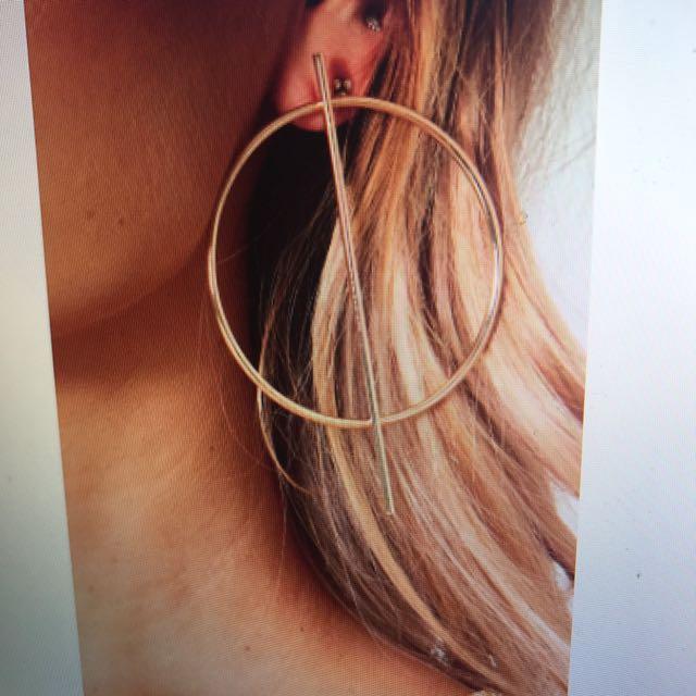 White Fox Geo Oversized Earrings in Gold