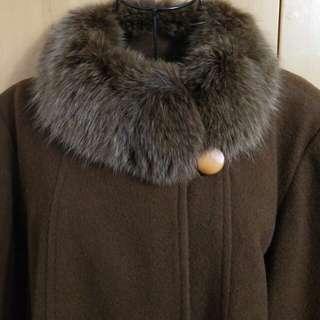 🚚 免運。輕奢狐狸毛環保皮草新件優質古著設計款八分袖咖啡色深駝色焦糖色羊毛毛呢洋裝大衣外套罩衫