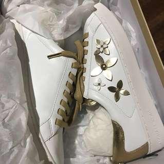 ✨Repriced!! ✨ Michael Kors Sneakers