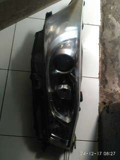 Head lamp Al new Yaris 2015