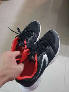 Kalenji sports shoe