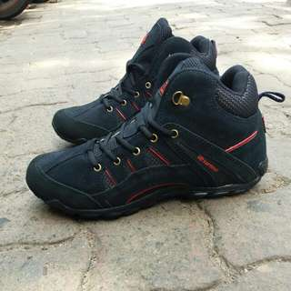 Karrimor high tracking shoes