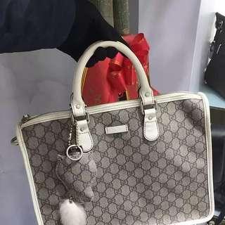 Gucci灰色經典LOGO印花手提包94新