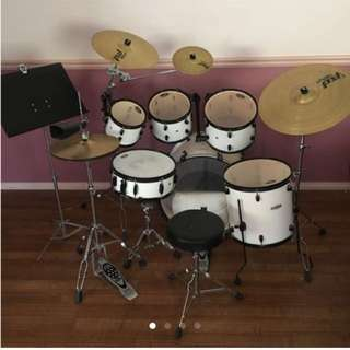 LOWERED PRICE Pearl 6 Piece Drum Kit With 4 Symbols + Cowbell