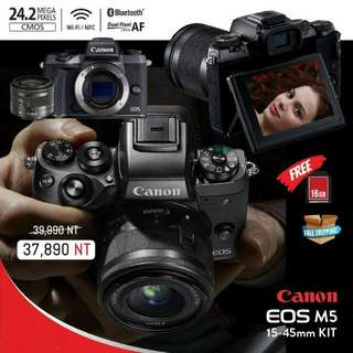 🚚 Canon EOS M5 (15-45mm lens) with FREE 16gb memory card