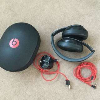 Beats studio wired (2.0(?))