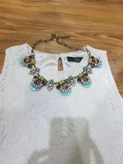 Women preloved necklace