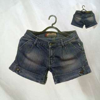 Denim Shorts/Hot Pants