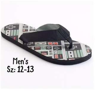NWT Men's Nintendo Slippers Sz: 12-13