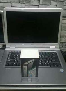 LAPTOP WITH IPHONE 4S