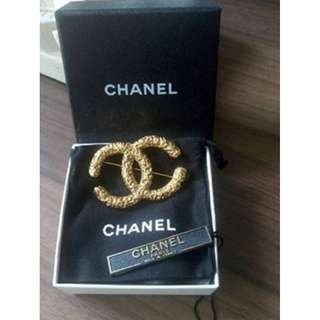 Authentic CHANEL Vintage Jumbo Brooch