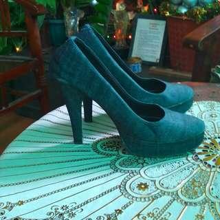 High heels denim