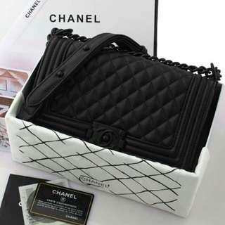 "Chanel Boy Caviar ""So Black"""