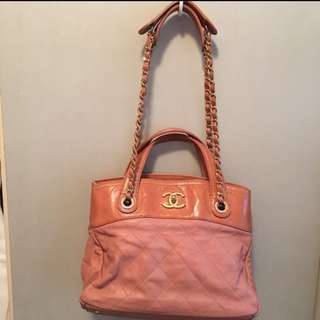 Chanel pink Quilted leather gold chain bag 粉紅金色鏈條上膊袋