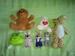 Assorted Preloved toys at P100 per bundle