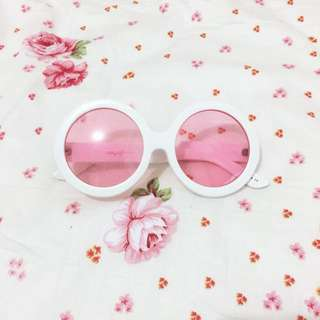 Cute retro sunnies