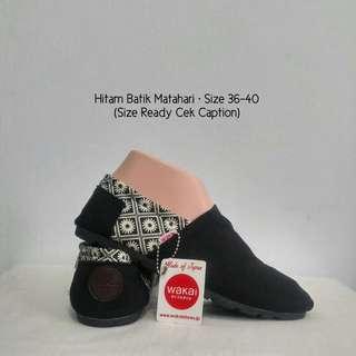 Sepatu wakai hitam batik matahari