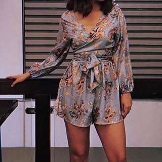 LOOKING FOR THIS ROMPER PLS!!!