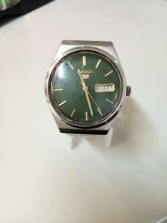 Seiko 5 Vintage like Citizen, Rado, Tissot, Omega