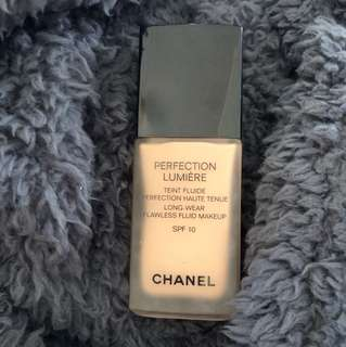 Chanel Perfection Lumière Long-Wear Foundation