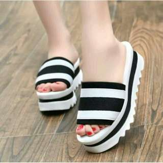 Wedges Sendal Blaster Putih Strip Hitam