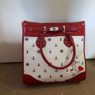 Feel young red bag
