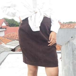 Brown Velvet Skirt / Rok Coklat Bludru