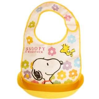 Cartoon PVC Portable Baby Feeding Bibs (Snoopy)