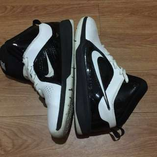 Nike Hustle D6 (Preloved)