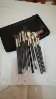 MORPHE 702 Set Eye Credible 12 piece with pouch