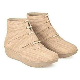 Sepatu Boots Wanita Cbr Six BCC 886