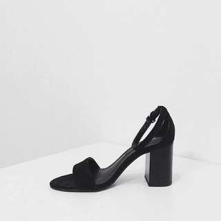 EPOCH STUDIO 編號第100號黑色鞋子