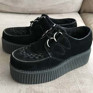 Size 6 (runs large) Windsor Smith Lipstik black suede creepers
