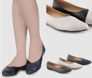 Two tone flat shoes