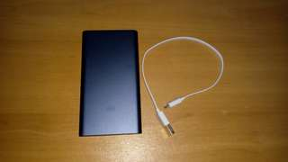 XiaoMi 10,000mAh portable charger-FREE DELIVERY