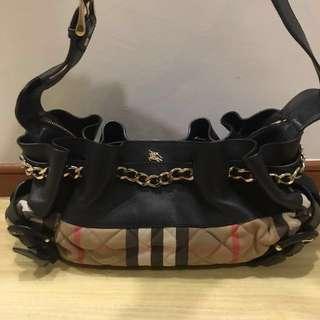 Burberry shoulder bag good price !