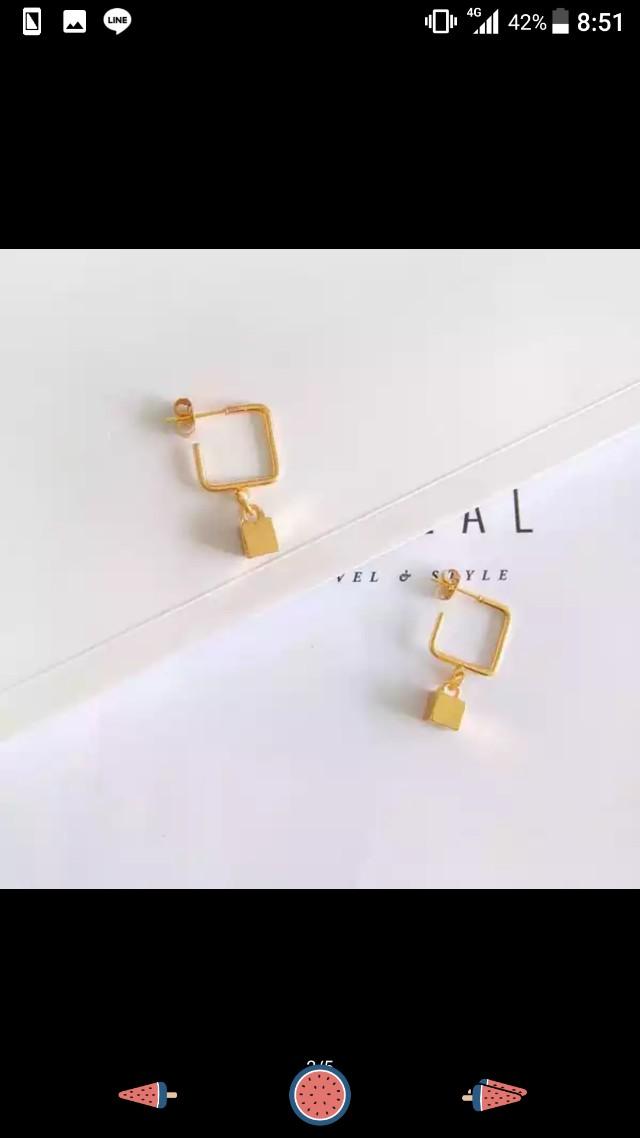 銀色幾何方塊耳環