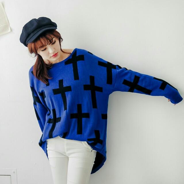 #舊愛換新歡 九成新 東京著衣  黑色十字架長版圓領毛衣 寶藍 可換物