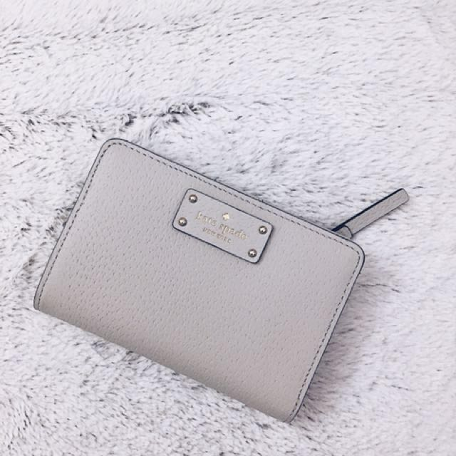 ♠️ Kate Spade Grey Leather Wallet ♠️