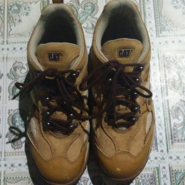 Authentic Caterpillar Steel toe shoes