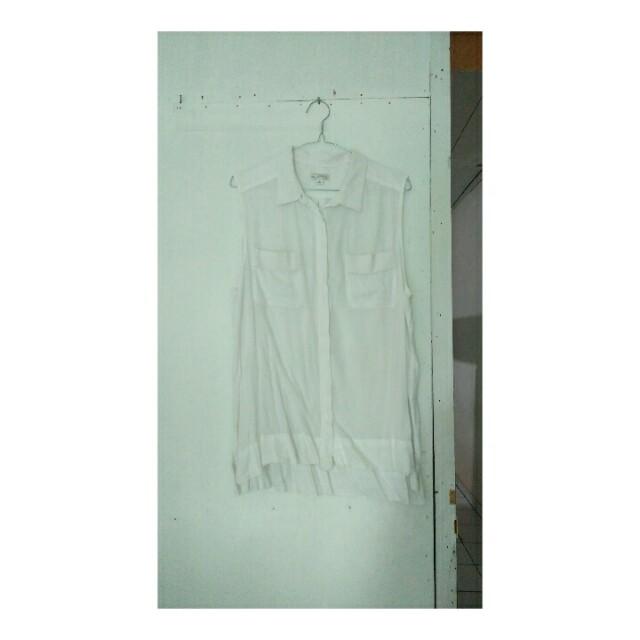 Basic Sleveless Shirt
