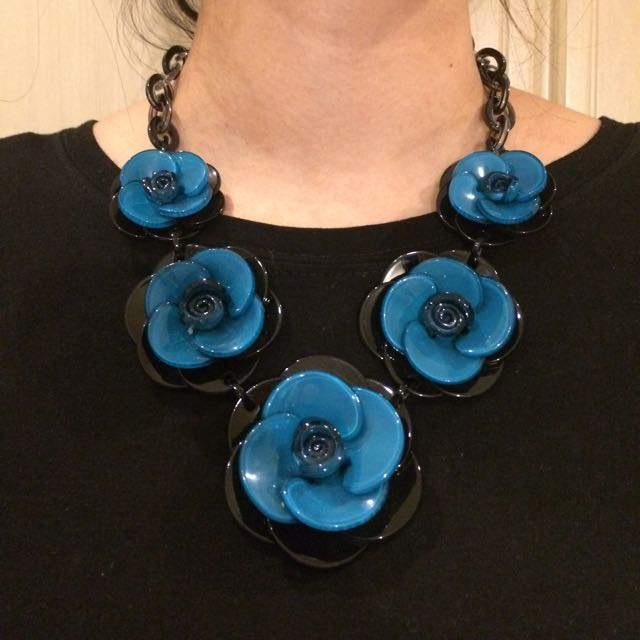 BB flower necklace