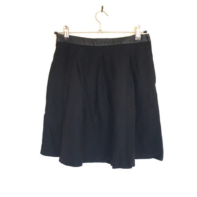 Black skirt leather band side zip