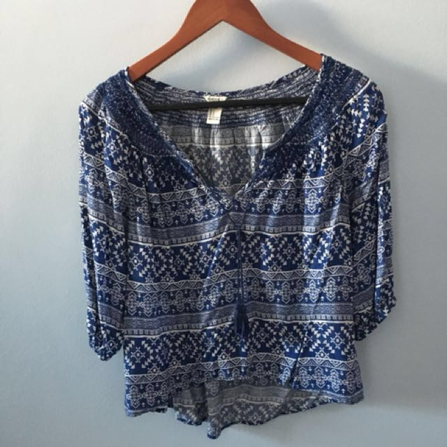Blue and white print women's top
