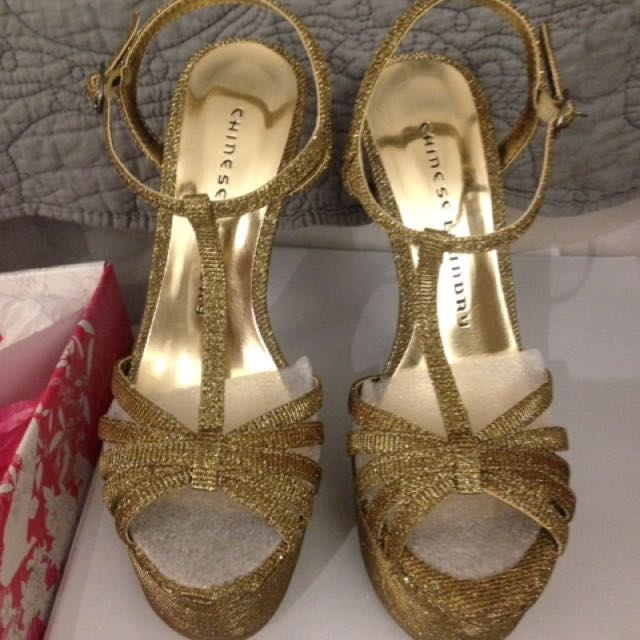 Brand New In box Chinese Laundry Sandals