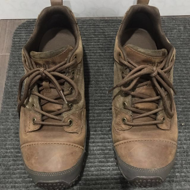 Caterpillar rugged leather shoes US11