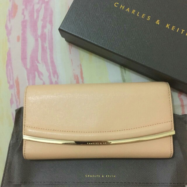 Charles&keith authentic wallet