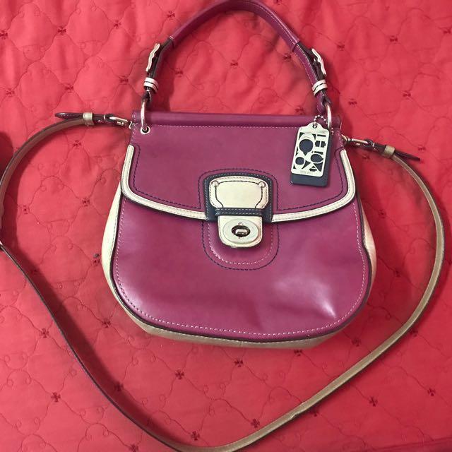 79c2e7ea85ea Coach authentic (sling bag)